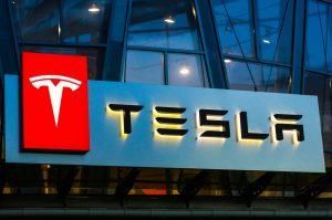 Tesla-sign
